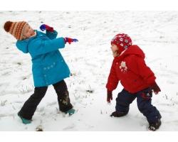 Игры для детей на свежем воздухе в холодное время года