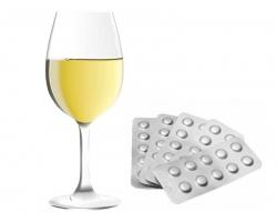 Чем лучше запивать таблетки?