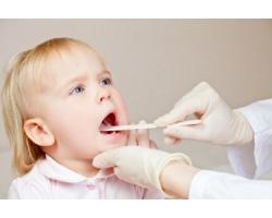 Каковы причины боли в горле у ребенка?