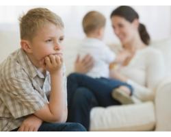 Как воспитывать младшего ребенка: советы родителям