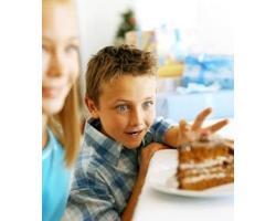 Детское воровство: причины и что делать родителям