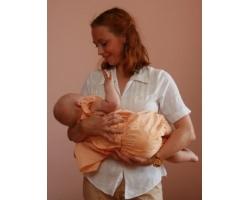 Как носить ребенка на руках и не вредить здоровью