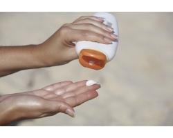 Как следует выбирать и использовать солнцезащитные крема?