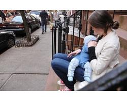 Кормление ребенка грудью в общественных местах