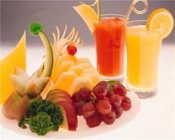 Какие напитки не стоит пить при жаре?