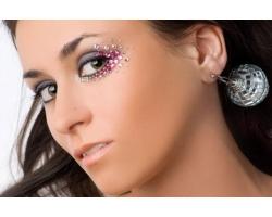 Как сделать макияж со стразами