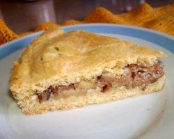 Пирог с грибами и сыром стилтон