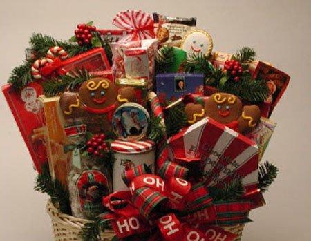 2359ccd69ee1 Выбирая подарок к Новому году для подруги, стоит ориентироваться на её  вкусы и предпочтения, хобби. Традиционными подарками никого не удивишь, ...
