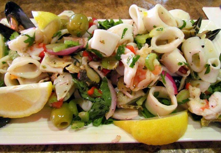 Салат с морского коктейля рецепт на масле — pic 3