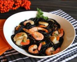 Салат из креветок и кальмаров, рецепт на Новый год с фото