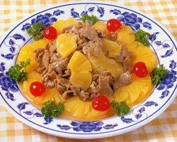 Мясо с ананасами в кисло-сладком соусе