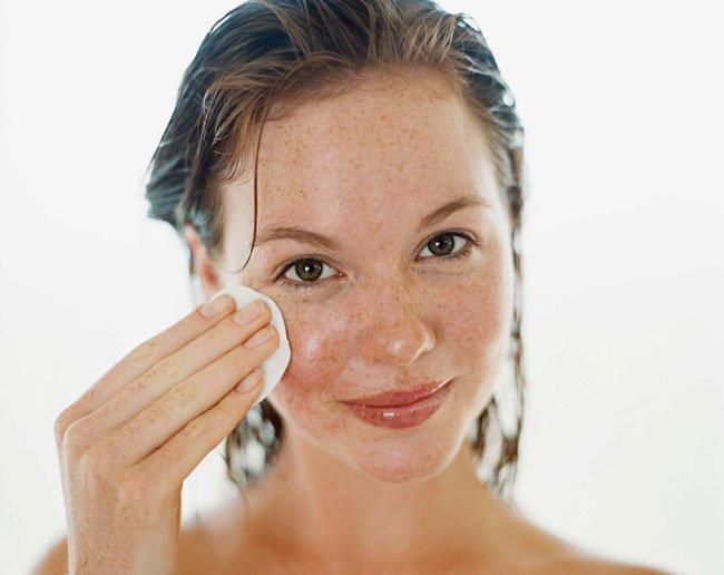 Как убрать веснушки: 4 эффективные домашние маски