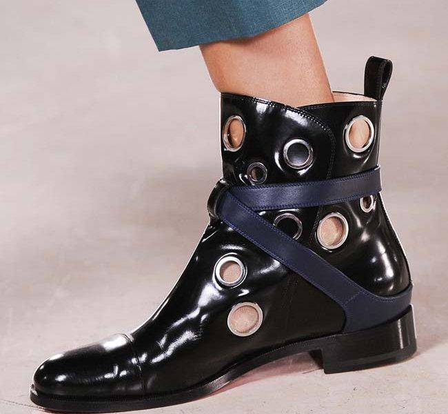 462f0bd7aebe Модные женские ботинки  на шнуровке, плоской подошве, высокой ...