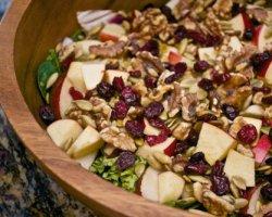 Вкусные салаты с грецким орехом, для новогоднего стола 2015