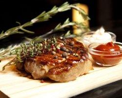 Рецепты свиного стейка – российский аналог американского говяжьего бифштекса