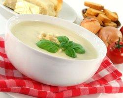 Легкий сырный суп – отличное блюдо для обеда и ужина