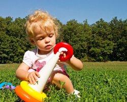 Развитие ребенка в 11 месяцев: что должен уметь