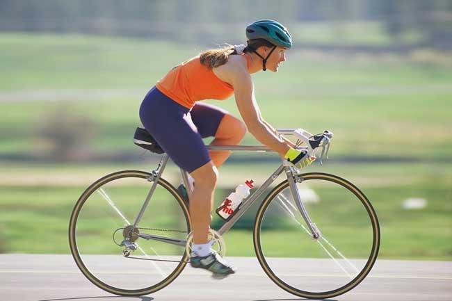 Советы, которые помогут похудеть с помощью велосипеда.