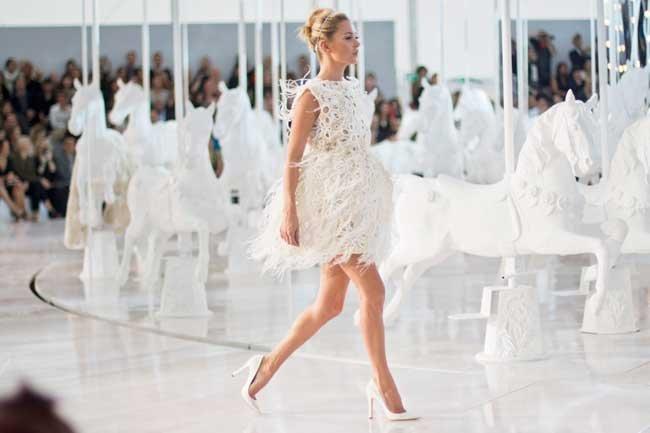 Сонник видеть девушку в белом платье