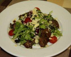 Салаты с куриной печенью: быстрое решение для вкусного обеда