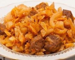 Популярные рецепты закусок из капусты с мясом