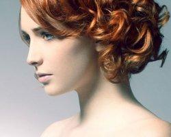 Как сделать праздничную выпускную прическу на короткие волосы