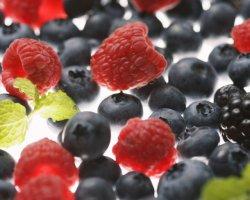 Как приготовить компот из замороженных ягод?