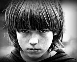 Подростковая агрессия: причины и способы борьбы
