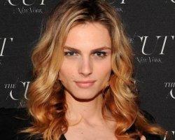 Модель-трансгендер Андреа Пежич стала лицом косметического бренда и появилась в легендарном Vogue