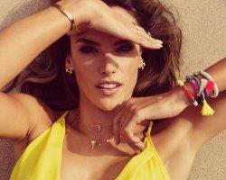Алессандра Амбросио продолжает расширять деятельность своего бренда