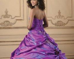 Фиолетовая свадьба: гламур и королевский размах