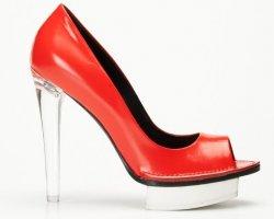 Обувной бренд Premiata предлагает парить над землей