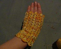 Летний must-have всех модниц: вяжем женские ажурные перчатки крючком