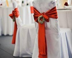 Как украсить стулья на свадьбу – идеи праздничного декора