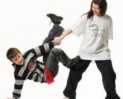 Современные танцы: учимся красиво танцевать дома