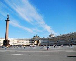 Путешествие в Петербург: где остановиться в городе на Неве?
