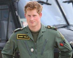 Принц Гарри завершил военную карьеру и отправляется спасать слонов