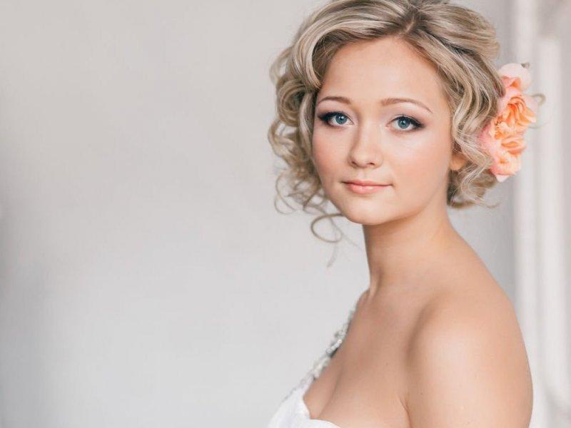 фото свадебные прически на короткий волос