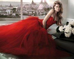 Пламя страсти: красное свадебное платье