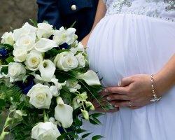 Интересное положение: платья для беременных на свадьбу