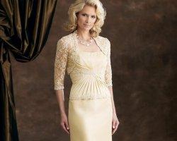 Зрелая роскошь: выбор платья на свадьбу для мамы