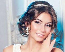 Невеста-богиня: свадебные прически в греческом стиле