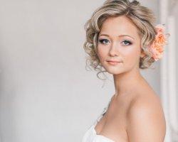 Быстро и просто: создаем свадебную прическу на короткие волосы