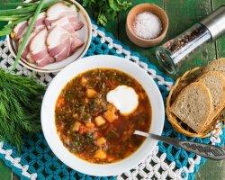 Суп цвета лета: готовим зеленый борщ с щавелем по-украински
