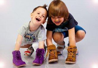 Башмачки для первого шага: как выбрать первую обувь для малыша