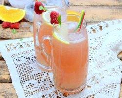 Цитрусовая свежесть: домашний апельсиновый лимонад с мятой и малиной