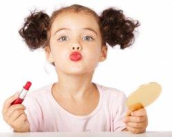 Как правильно накрасить дочку?