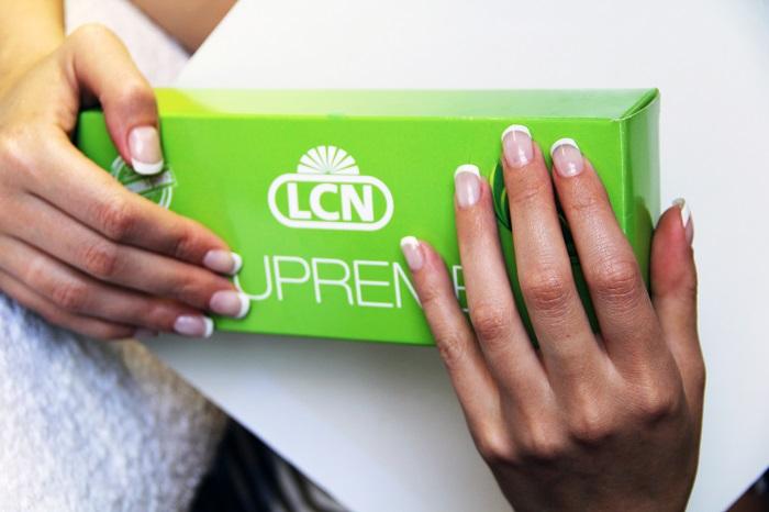 Здоровые ногти и роскошный маникюр с гелями для наращивания  LCN