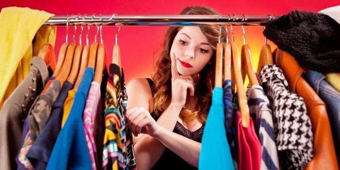К чему снится одежда? Толкования по сонникам