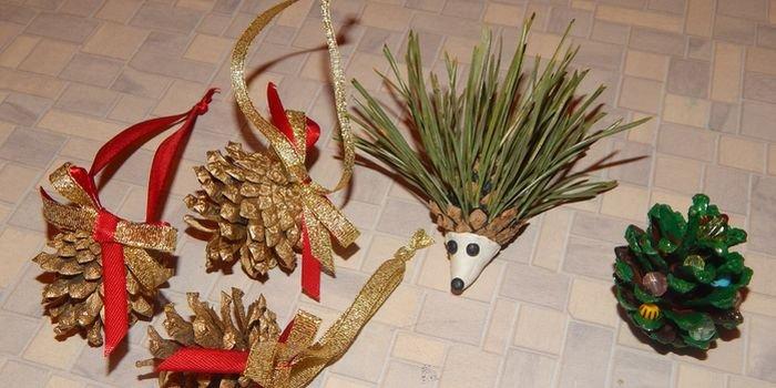 Поделки из шишек на Новый год своими руками для детского сада и школы